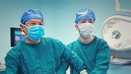 腹腔镜下胃旁路手术